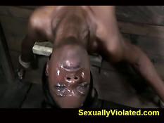 Белый хозяин отъебал в рот и пизду свою чёрную рабыню Ana Foxxx
