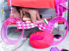 Подружки Natasha Nice и Vanessa Cage занимаются сексом в камере