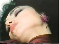 Нарезка видео с сисястой звездой старинного порно Bridgette Monet