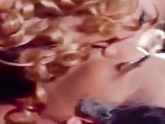 Любовная сцена с участием милой египетской актрисы Mervat Amin