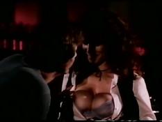 Страстный секс с сисястой звездой ретро порно фильмов Kay Parker