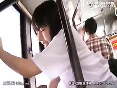 Снял трусики с японской девки и оттрахал в автобусе в позе раком