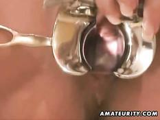 Беременная немецкая брюнетка в очках сосёт член и ебётся раком