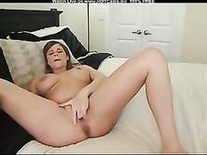 Беременная девка сосёт фаллос и трахает себя в волосатую киску