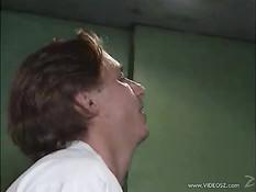 Возбуждённый санитар в лифте ебёт в анус медсестру Armelle Castan