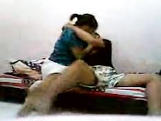 Худенькая азиатка в разных позах трахается со своим бойфрендом
