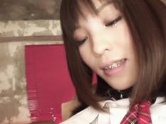 Мужик оттрахал и залил спермой киску горячей японской студентки