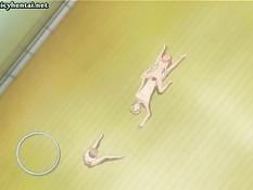 Аниме девушки вдвоём отсасывают парню член и трахаются на полу