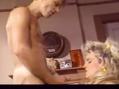 Нарезка порно роликов с участием ретро порно актрисы Erica Boyer