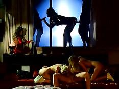 Развратная секс оргия с ненасытными светловолосыми девчонками