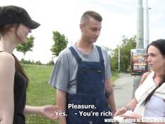 Чешские девки за деньги соглашаются ебаться на свежем воздухе
