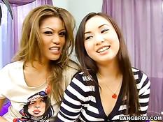 Горячие азиатки Charmane Star и Tia Tanaka затрахали одного парня