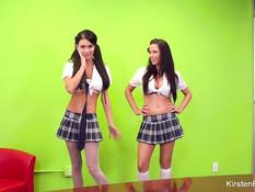 Развратные студентки Jessica Jaymes и Kirsten Price обожают сосать