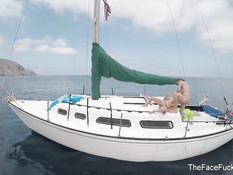 Отлизал киску блондинке с тату Marsha May и дал отсосать на яхте