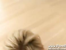 Шикарная блондинка Shyla Stylez дрочит сиськами и делает минет