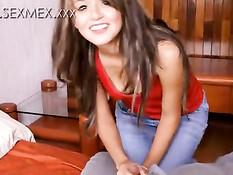 Незнакомая испанская девушка согласна подрочить и сделать минет