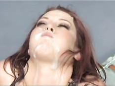 Мужчины заливают спермой развратный ротик девчонки Trisha Rey
