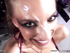 Сексуальная порно звезда Juelz Ventura хочет высосать всю сперму