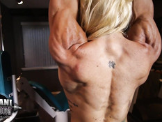 Блондинка бодибилдер Jill Rudison показала свою большую грудь