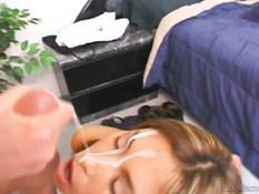 Порно актёр Peter North заливает спермой тела сексуальных подруг