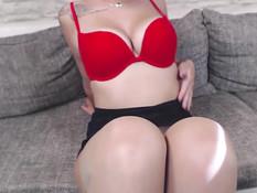 Немецкая девка с красными волосами показала себя в порно видео