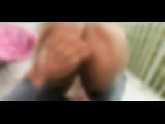 Большой белый член входит в бритую киску мулатки Kandee Lixxx