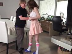 Молодая сисястая девка Antonia Sainz ебётся с пожилым любовником