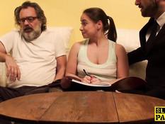 Развратная девушка Olga Cabaeva сквиртует после анального секса