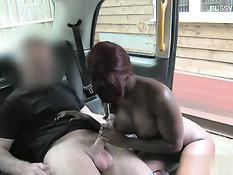 Шофёр остановил машину и отъебал горячую мулатку Jasmine Webb