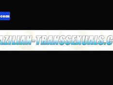 Знойный бразильский транс с тату и пирсингом подрочил свой пенис