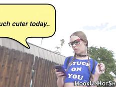 Очкастой девчонке с косичками Alexa Nova пришлось сделать минет