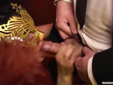 Немецкие свингеры занимались сексом в масках на фетиш вечеринке