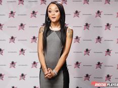 Латинская брюнеточка Holly Hendrix должна сделать глубокий минет