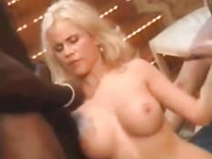Сборник семяизвержений на горячую сисястую блондинку Gina Wild