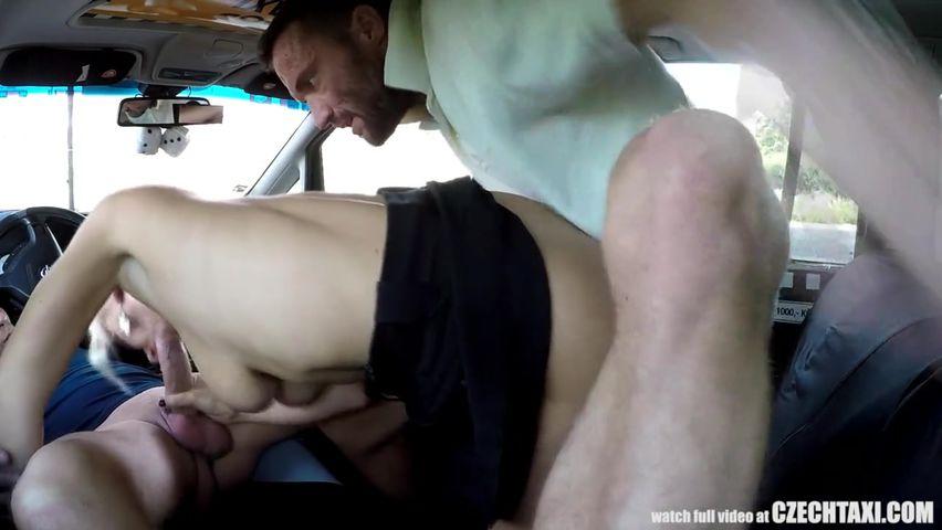 Порно поимел на заправке