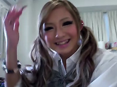 Возбуждённые парни кончают на японскую девчонку с хвостиками