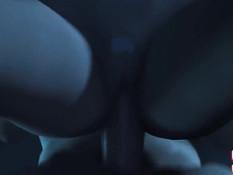 Мокрая 3D девушка в очках занимается сексом с двумя мужчинами