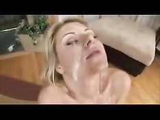 Сперма заливает лицо сексуальной сисястой блондинки Velicity Von
