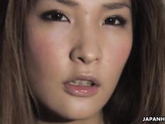 Азиатка в колготках ласкала свой клитор и тёрлась пиздой об член