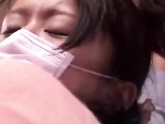 Японскую девушку раздели и отымели в набитом народом автобусе