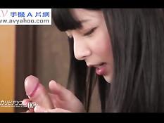 Японская девка делает парню эротический массаж и ебётся раком