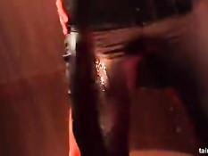 Безбашенный секс под громкую музыку на вечеринке в секс клубе