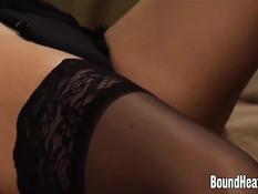 Молодая лесбиянка раздевает и ласкает подружку в чёрном белье