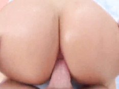 Жопастая блондинка Mellanie Monroe оттрахана в анус после отсоса
