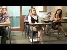 Развратные молодые студентки получают порцию спермы на лицо