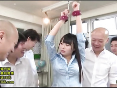 Парни привязали японскую девушку и жёстко оттрахали вибраторами