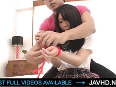 Связанные японские девушки сквиртуют во время бурного оргазма