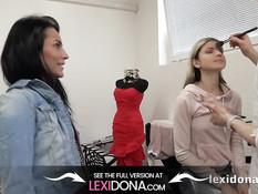 Парень ебёт на кровати развратных тёлок Lexi Dona и Gina Gerson
