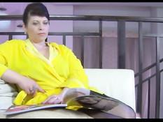 Толстая русская домохозяйка занимается сексом с молодым мужем