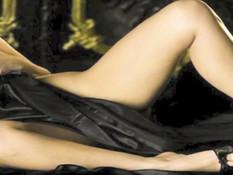 Американская звезда Kim Kardashian демонстрирует большую грудь